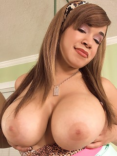 Sexy double d boobs